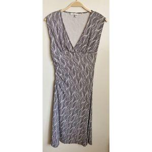 DVF   Diane Von Furstenberg V-Neck Print Dress